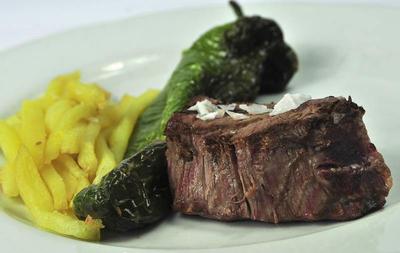 Restaurante el pasaje carnes restaurante el pasaje for Solomillo de buey